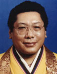 photo of Chögyam Trungpa Rinpoche wearing brocade